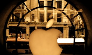 Apple_store_regent_street_london_-_Flickr_-_jonrawlinson
